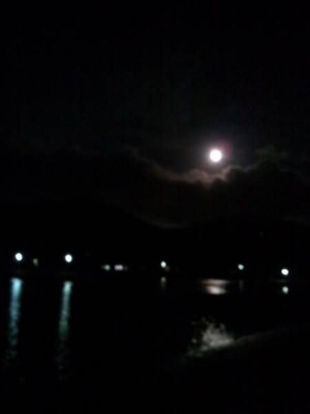 ふるさと家 夜の港 満月